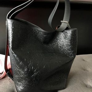 Givenchy GV3 Bucket Bag Pop Red/Black